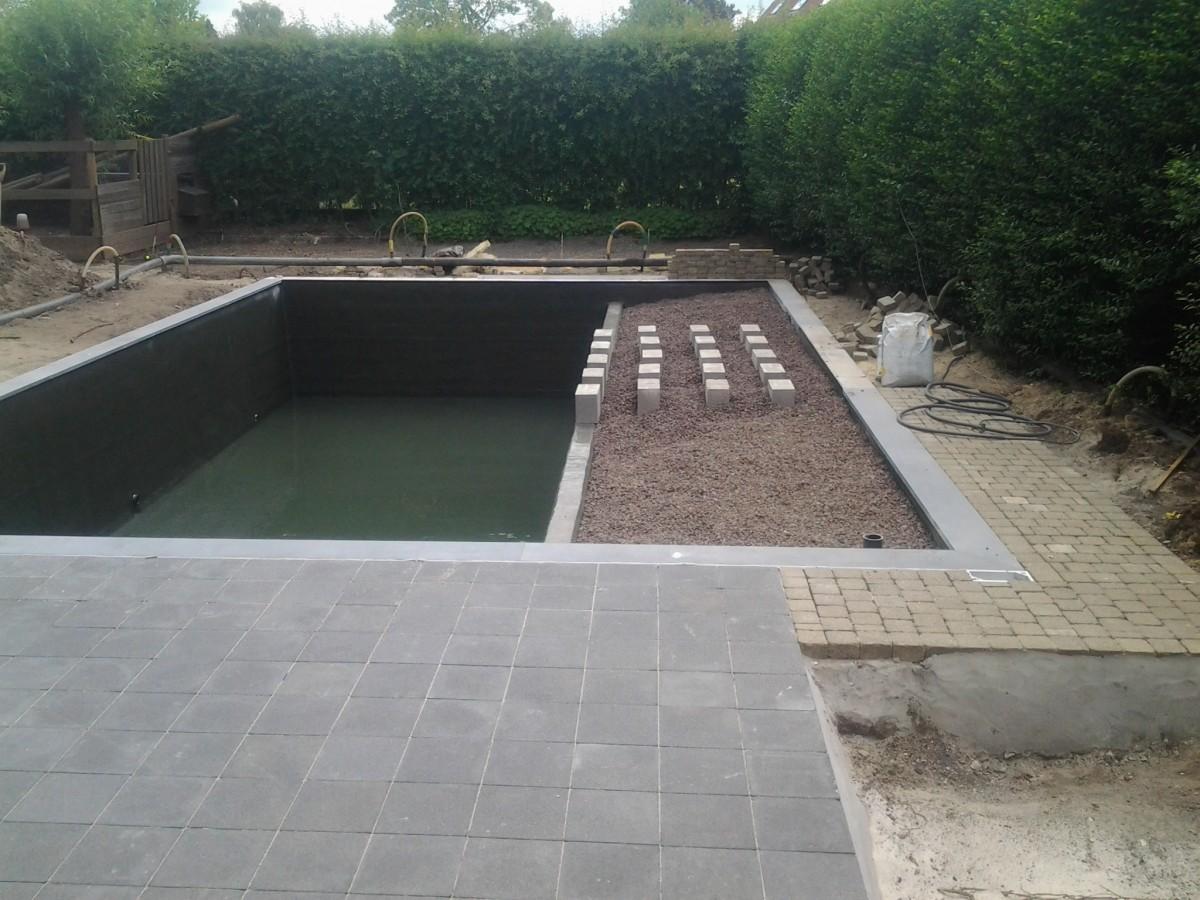 Project in de kijker tuinen desoete aanleg zwemvijver for Aanleg zwemvijver